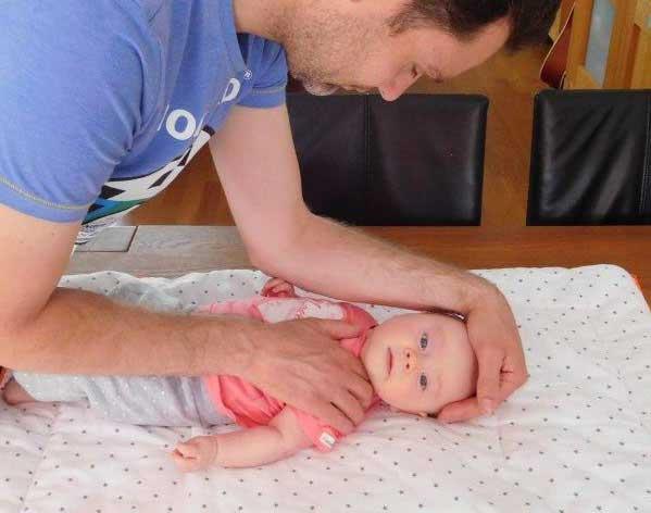 Babyfysio-met-vader-en-baby